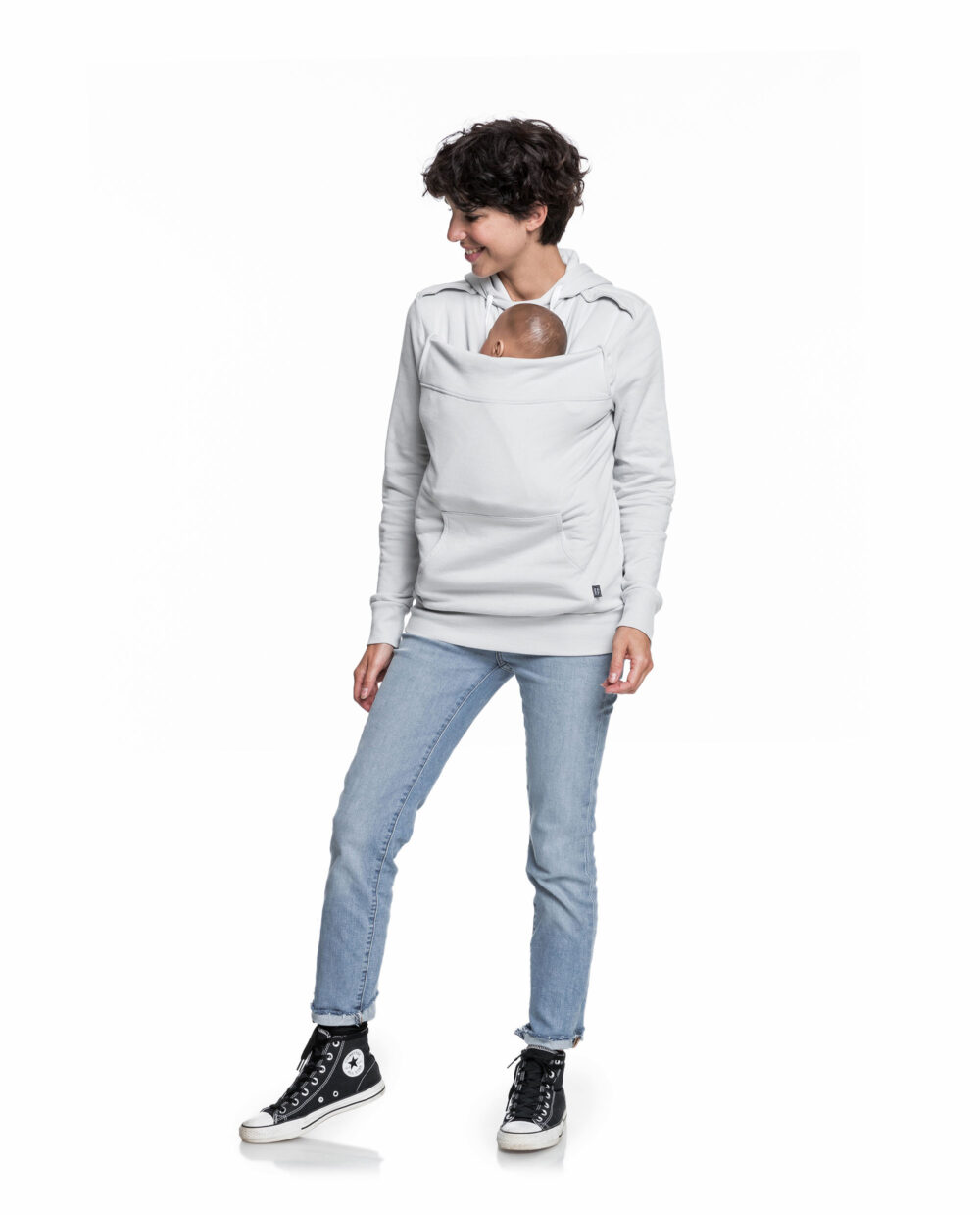 sweat-porte-bebe-Mama-Plays-gris-clair-
